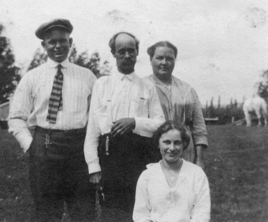 Harold Cornelius Angland with father, Bjor, Mother Annie, and sister, Marion