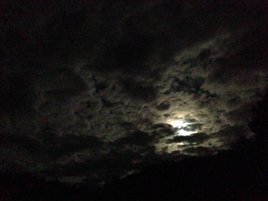 clouds-full-moon